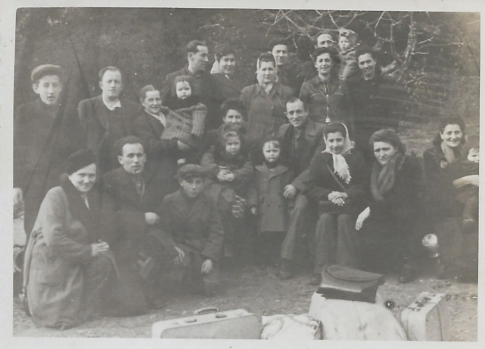 hana_yehuda_group_parvew_1945